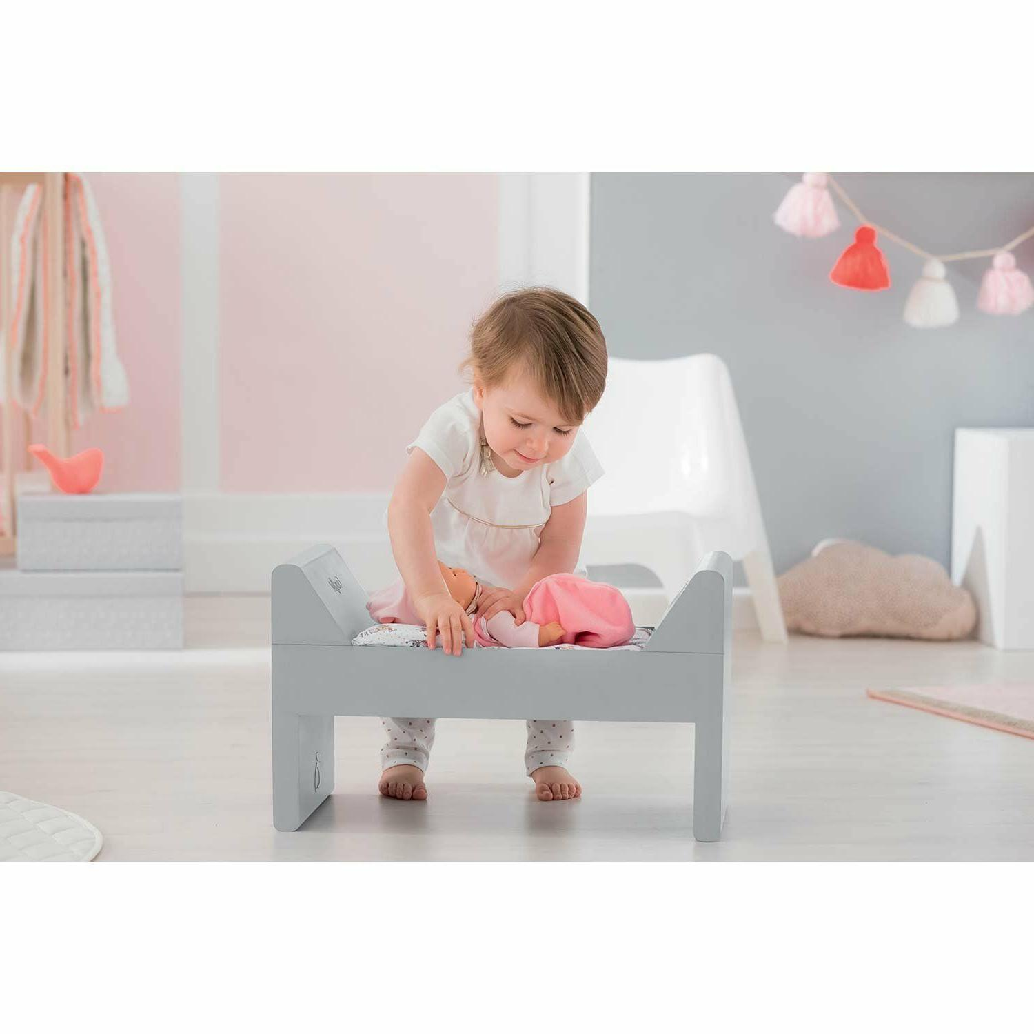 Corolle Doll and bed size in